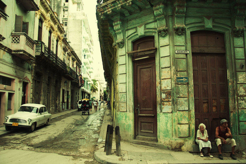 streets_of_havana_by_inviv0-d5qhfw0