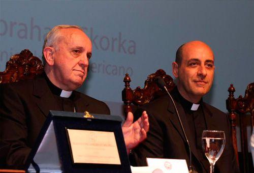Fr-Victor-Manuel-Fernandez-and-Archbishop-Bergoglio-Future-Pope-Francis